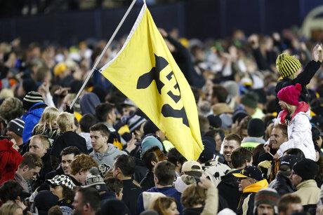 Fans, Folsom Field