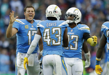 Titans Chargers Football