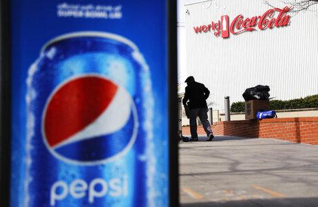 Super Bowl Pepsi vs Coke Football