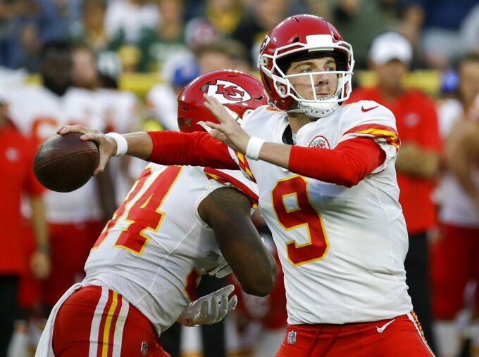Kansas City Chiefs' Kyle Shurmur throws during the first half of a preseason NFL football game against the Green Bay Packers Thursday, Aug. 29, 2019, in Green Bay, Wis. (AP Photo/Mike Roemer)