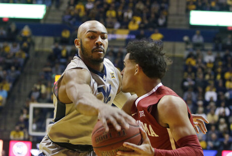Jevon Carter, Trae Young