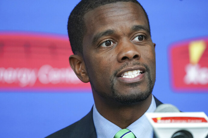 St. Paul Mayor Melvin Carter is seen in a Tuesday, April 16, 2019 photo in St. Paul, Minn. Carter, the black mayor of St. Paul, Minnesota, has received racist threats amid a long-simmering dispute over how the city should collect its trash. Police in Minnesota's capital are investigating threatening and racist messages to Mayor Melvin Carter in the run-up to a citywide vote on organized trash collection. (Glen Stubbe/Star Tribune via AP)