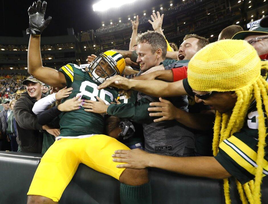 Rams Packers Football