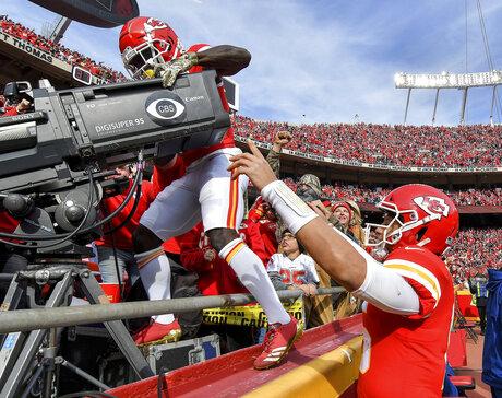 Cardinals Chiefs Football