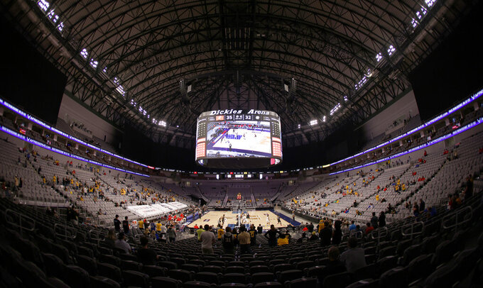 Cincinnati plays Wichita State at Dickies Arena during the second half of an NCAA college basketball game in the semifinal round of the American Athletic Conference men's tournament Saturday, March 13, 2021, in Fort Worth, Texas.  (AP Photo/Ron Jenkins)