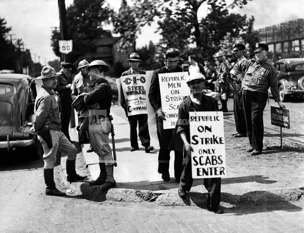 Watchf AP A  OH USA APHS463576 Steelworkers Strike