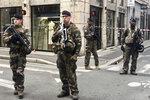 Soldiers of French antiterrorist plan
