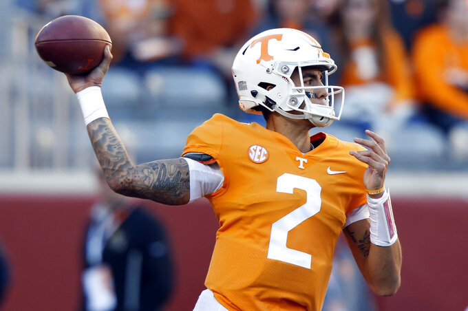 Tennessee QB Guarantano's status 'day to day' for Vandy game