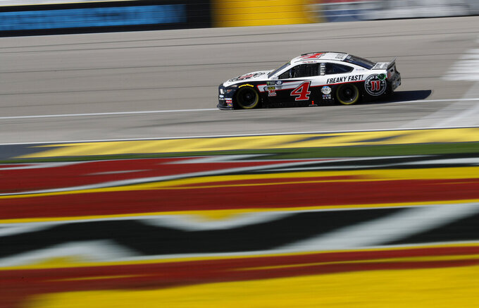 Kevin Harvick (4) drives during a NASCAR Cup Series auto race at Las Vegas Motor Speedway, Sunday, March 3, 2019, in Las Vegas. (AP Photo/John Locher)