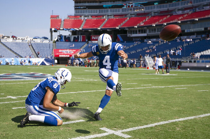 Reich still confident in Vinatieri despite early-season woes