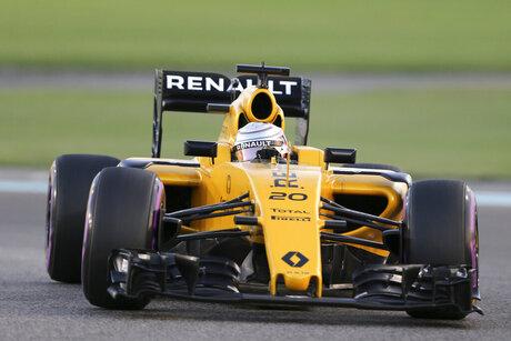 Emirates F1 Renault Vasseur Leaves