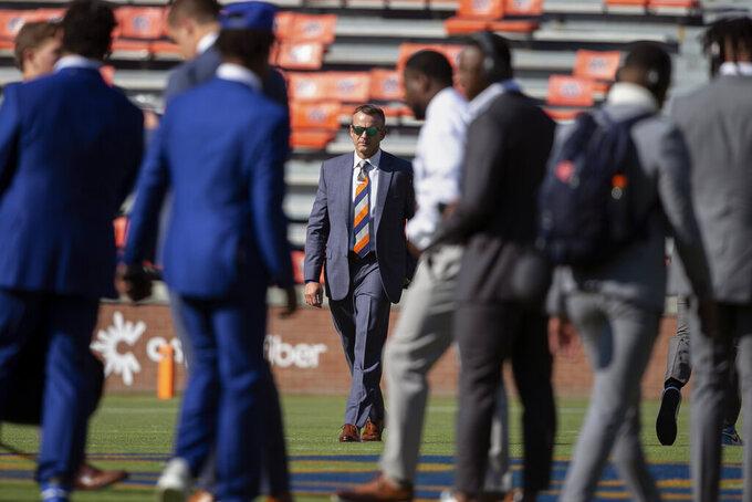 Auburn head coach Bryan Harsin walks the field with the team before an NCAA college football game against Akron, Saturday, Sept. 4, 2021, in Auburn, Ala. (Photo/Butch Dill)