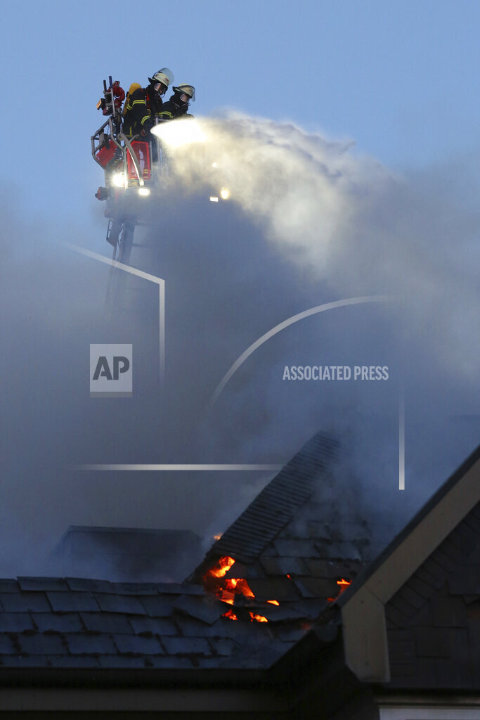Major fire in senior citizens' residential complex in Hamburg-Eidelstedt
