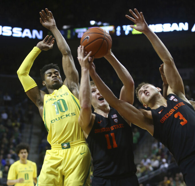 Tinkle scores 28 to help Oregon State beat Oregon 77-72