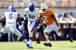 Tennessee quarterback Jarrett Guarantano (2) runs for yardage in the first half of an NCAA college football game against Georgia State, Saturday, Aug. 31, 2019, in Knoxville, Tenn. (AP Photo/Wade Payne)