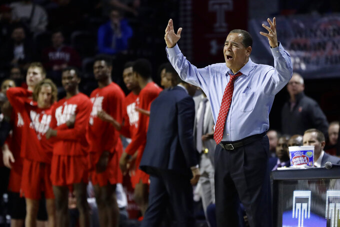 Houston head coach Kelvin Sampson reacts to a call during the second half of an NCAA college basketball game against Temple, Wednesday, Jan. 9, 2019, in Philadelphia. Temple won 73-69. (AP Photo/Matt Slocum)