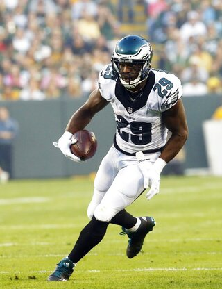 Eagles Demarcos Debut Football