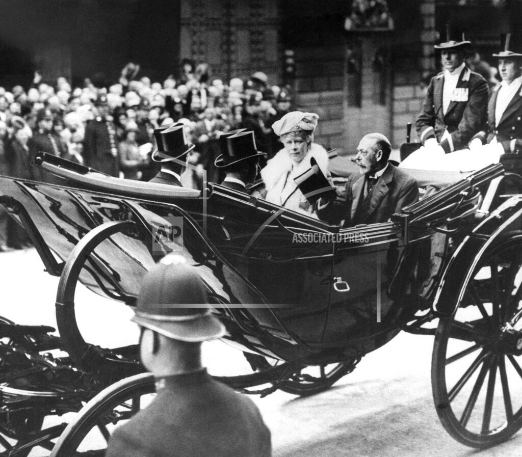 Watchf AP I FILE  XEN GBR APHS384794 King George V and family