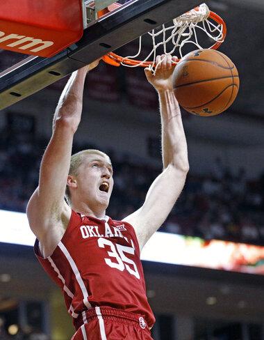 Oklahoma Manek Basketball
