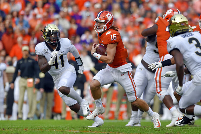 No. 3 Clemson playing powerhouse football headed into bye