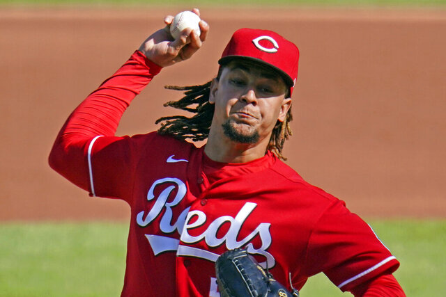 Cincinnati Reds starting pitcher Luis Castillo delivers during the first inning of a baseball game against the Pittsburgh Pirates in Pittsburgh, Friday, Sept. 4, 2020. (AP Photo/Gene J. Puskar)