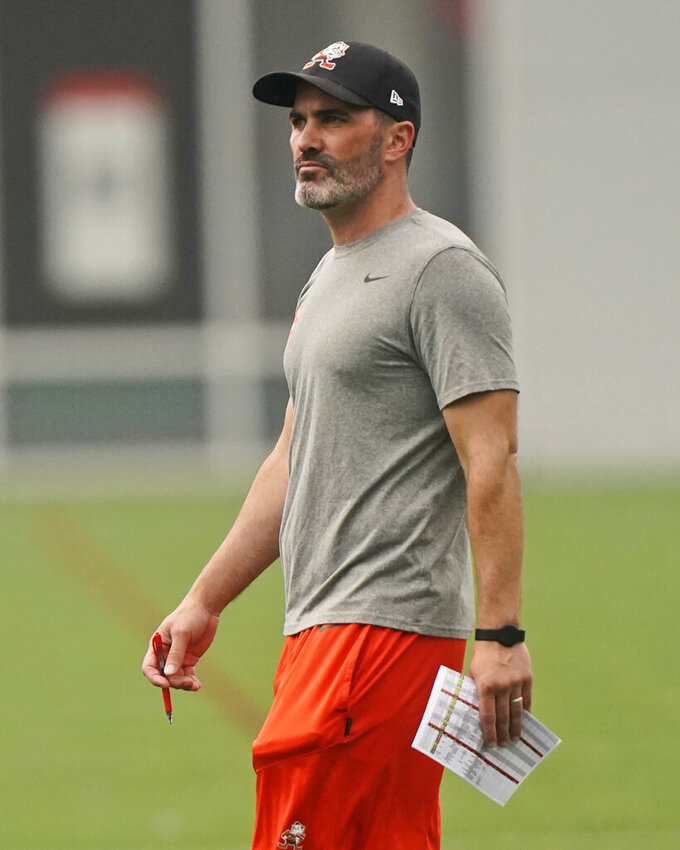 Cleveland Browns head coach Kevin Stefanski watches during NFL football practice, Thursday, July 29, 2021, in Berea, Ohio. (AP Photo/Tony Dejak)