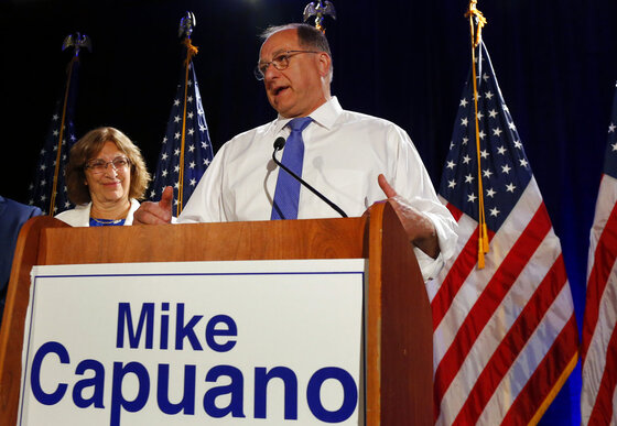 Michael Capuano, Barbara Capuano
