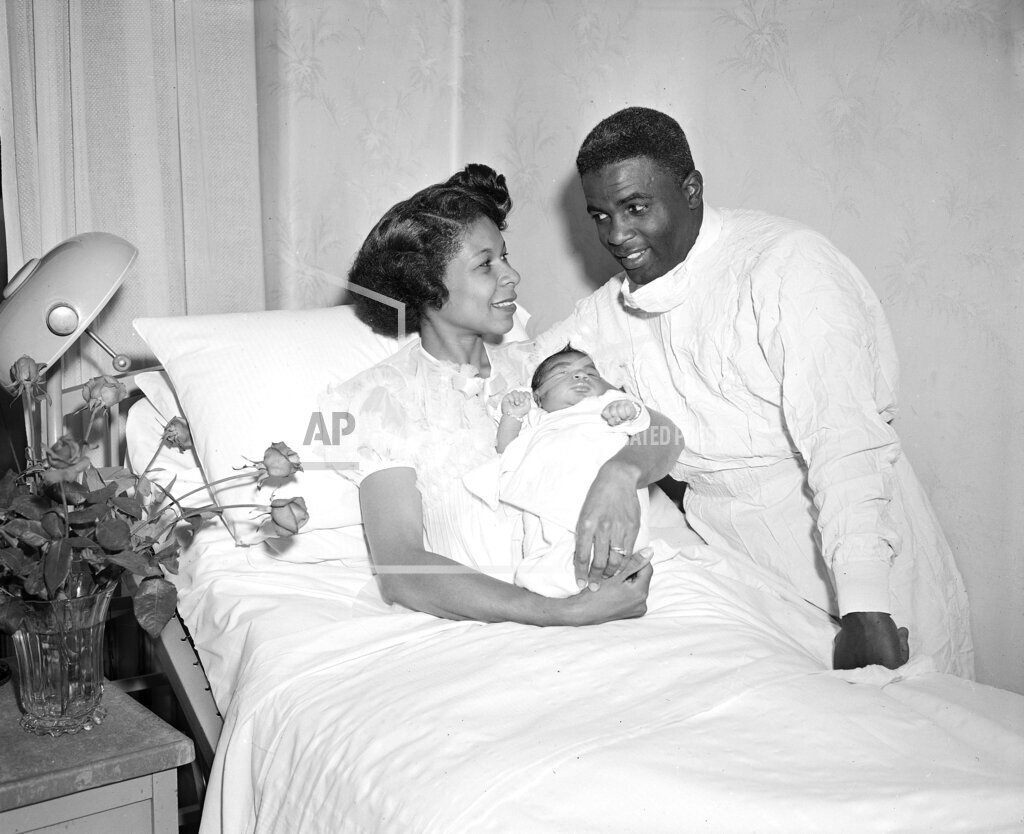 Watchf Associated Press Sports  New York United States APHS ROBINSONS AND NEW BABY 1952