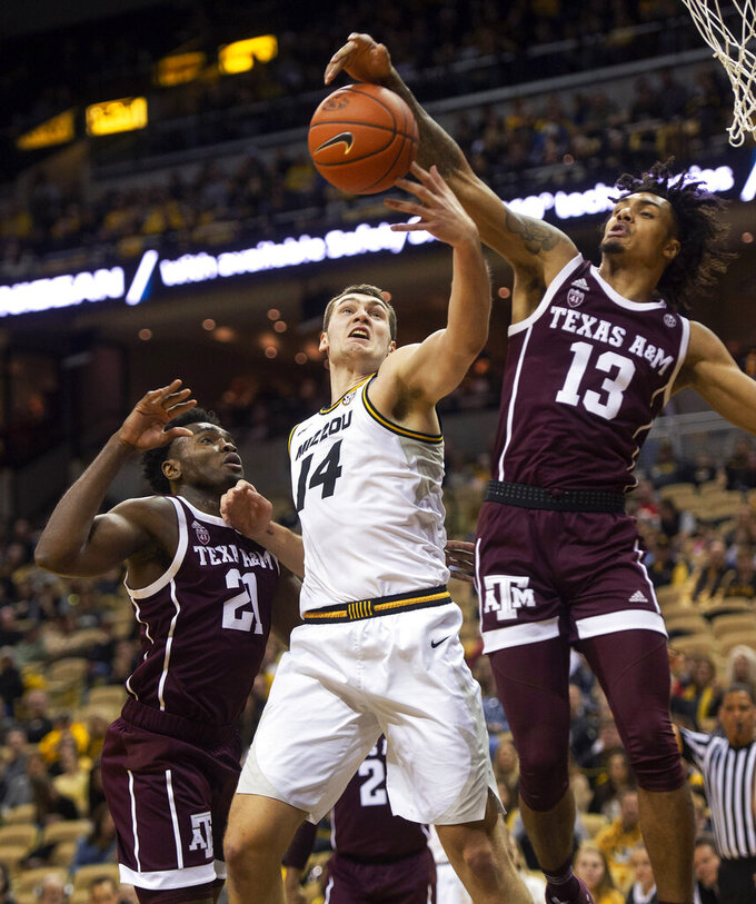 Texas A&M erases deficit, beats Missouri 68-59