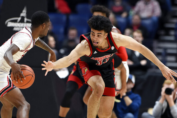 No. 2 Louisville breezes past Western Kentucky 71-54