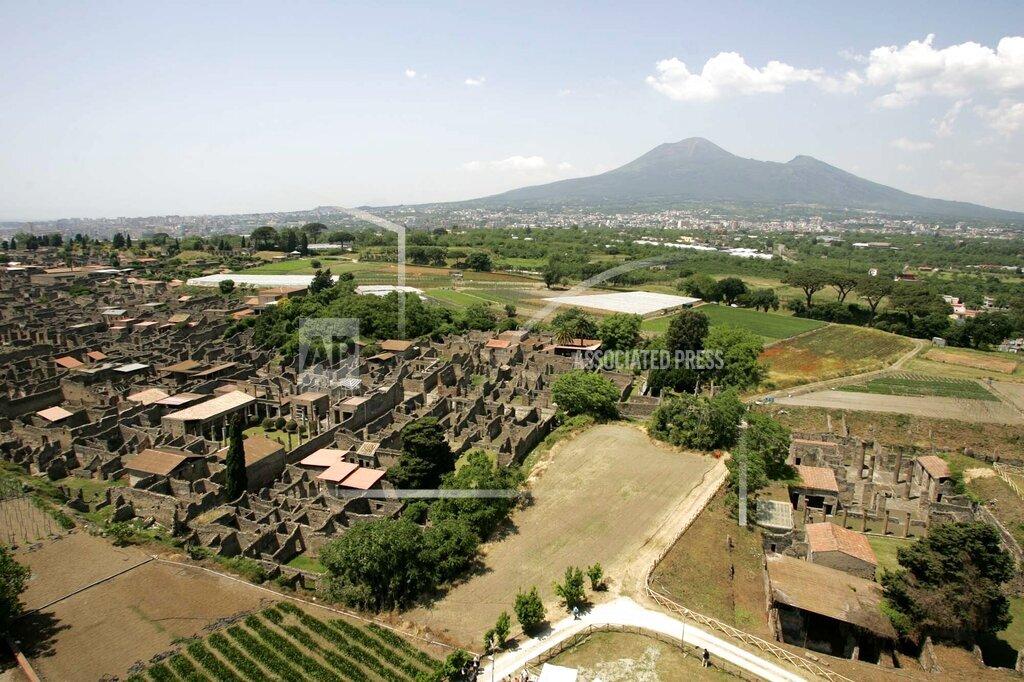 Associated Press International News Italy ITALY TASTE OF POMPEII