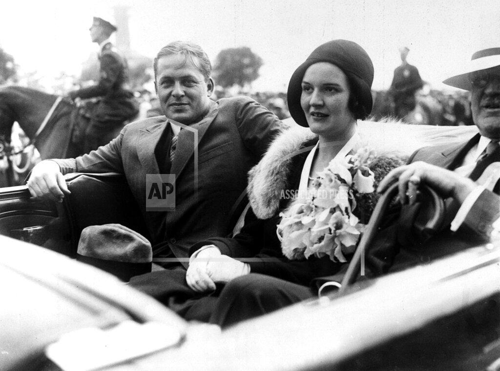 Associated Press Sports New York United States PARADE BOBBY JONES WIFE MARY
