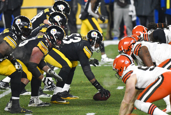 Pittsburgh Steelers center Maurkice Pouncey (53) prepares to snap the ball during the first half of an NFL wild-card playoff football game against the Cleveland Browns in Pittsburgh, Sunday, Jan. 10, 2021. (AP Photo/Don Wright)