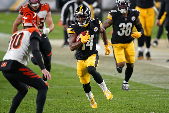 Pittsburgh Steelers wide receiver Ray-Ray McCloud (14) returns a punt during the second half of an NFL football game against the Cincinnati Bengals, Sunday, Nov. 15, 2020, in Pittsburgh. (AP Photo/Keith Srakocic)