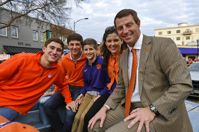 Dabo Swinney signs largest college football contract ever
