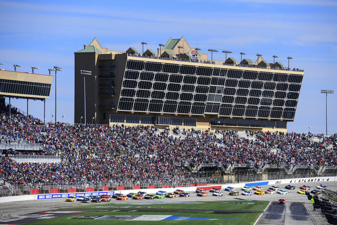Column: New NASCAR rules package gets early passing grade