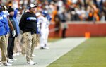 Kentucky head coach Mark Stoops looks on from the sideline in the first half of an NCAA college football game against Tennessee Saturday, Nov. 10, 2018, in Knoxville, Tenn. (AP Photo/Wade Payne)