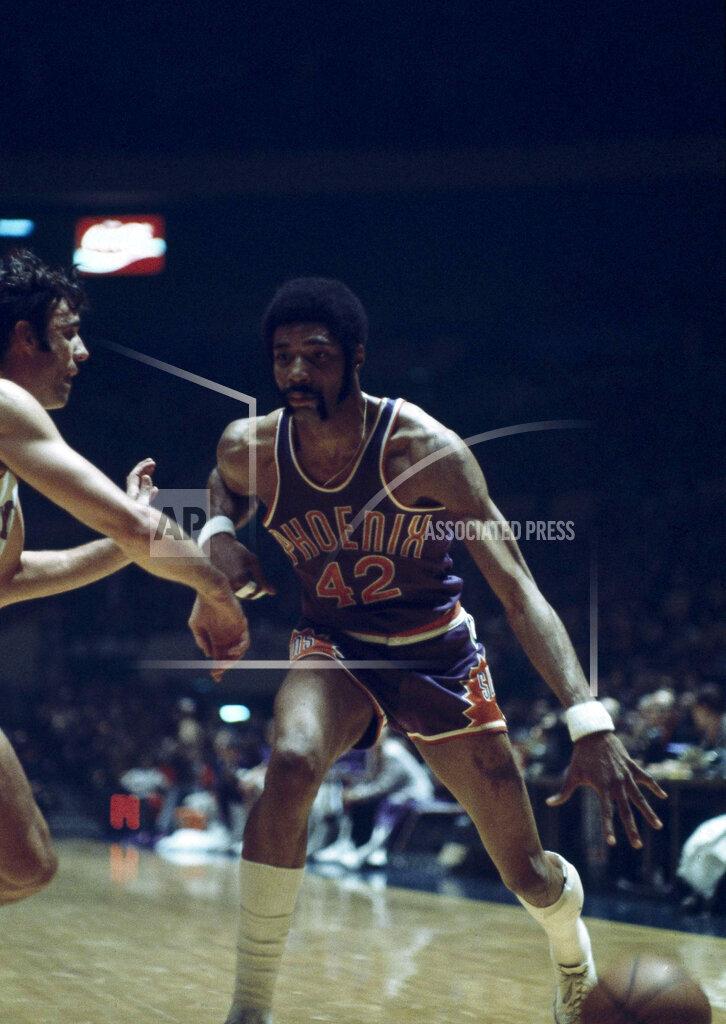 Watchf AP S BKN NY USA APHS465830 Suns Knicks Hawkins