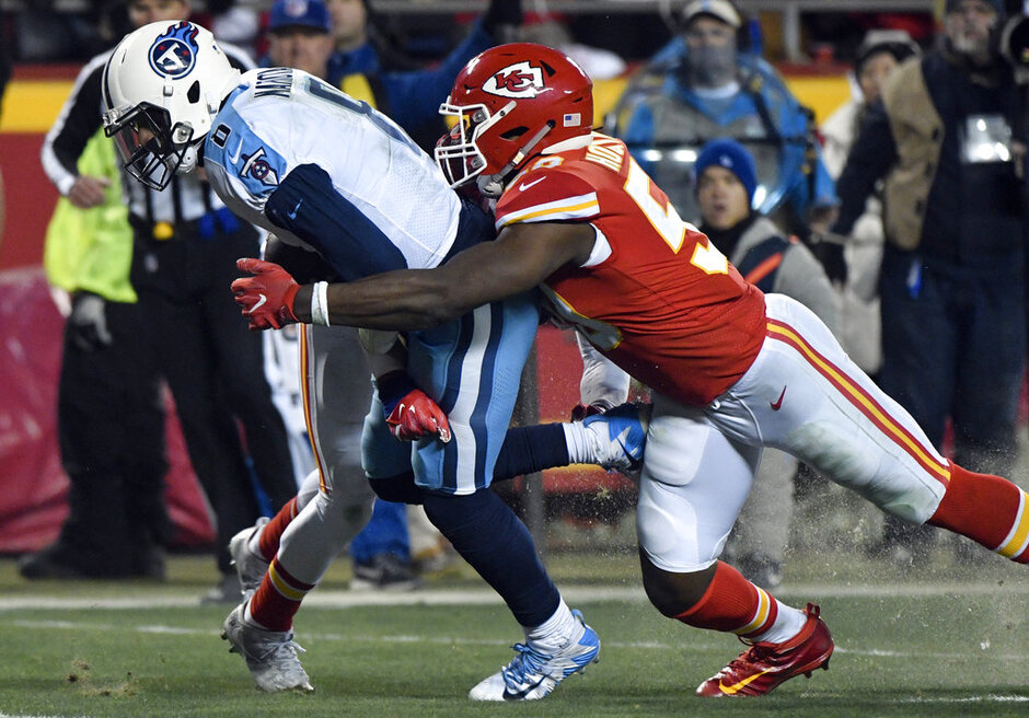 Justin Houston, Marcus Mariota