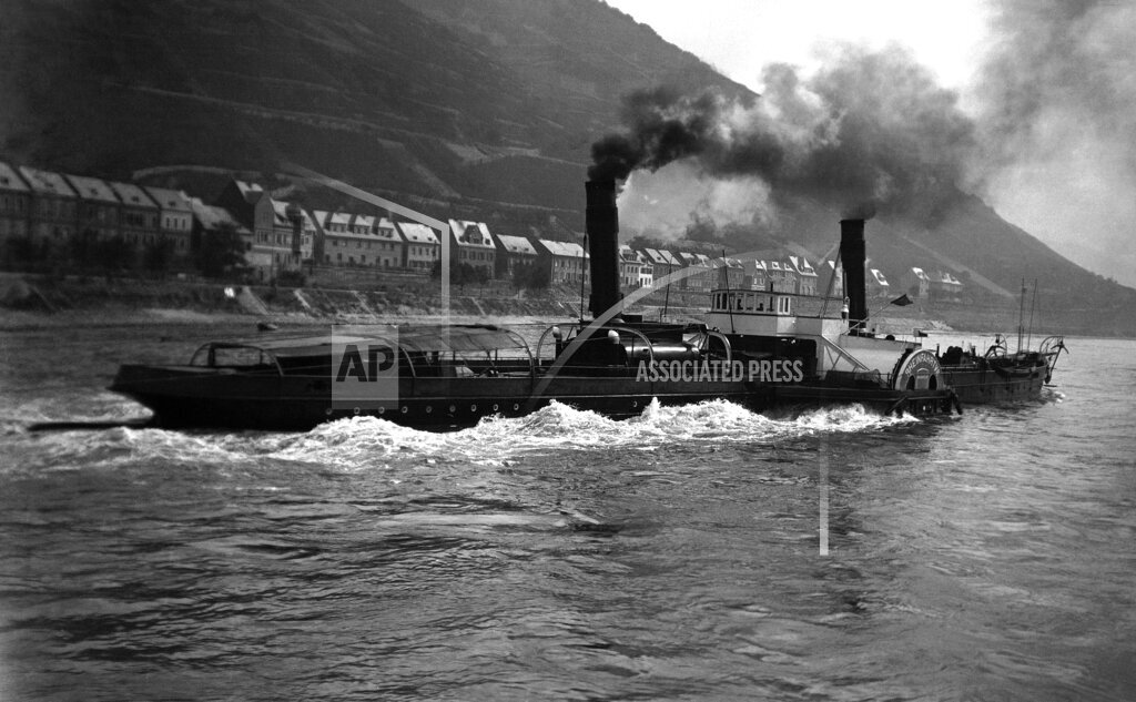 Watchf AP I   DEU APHSL23250 Germany Rhine Paddle Wheel Tugboat