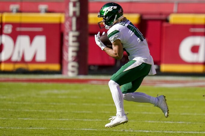 New York Jets wide receiver Braxton Berrios (10) catches a pass in the first half of an NFL football game against the Kansas City Chiefs on Sunday, Nov. 1, 2020, in Kansas City, Mo. (AP Photo/Jeff Roberson)