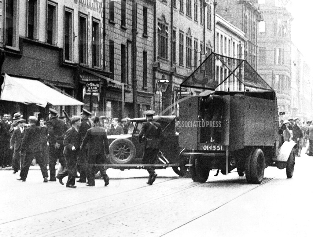 Watchf AP I   IRL APHSL18 Street Battle Belfast Funeral 1935
