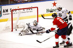 Florida Panthers center Brian Boyle (9) scores against Los Angeles Kings goaltender Jack Campbell (36) during the third period of an NHL hockey game Thursday, Jan. 16, 2020, in Sunrise, Fla. Florida Panthers win 4-3. (AP Photo/Brynn Anderson)