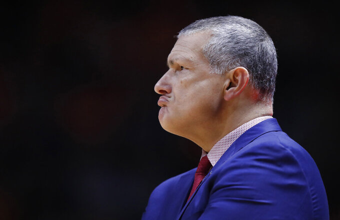South Carolina head coach Frank Martin looks on during the second half of an NCAA college basketball game against the Tennessee Wednesday, Feb. 13, 2019, in Knoxville, Tenn. Tennessee won 85-73. (AP photo/Wade Payne)