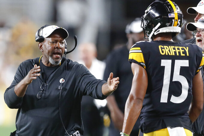 Steelers return to practice while grieving loss of coach