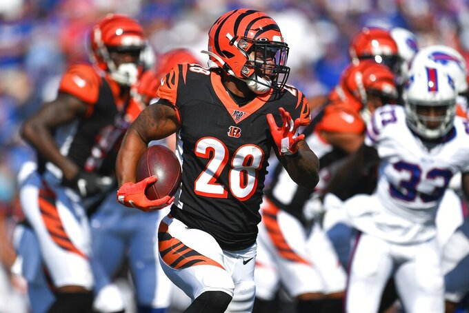 Cincinnati Bengals running back Joe Mixon (28) rushes during the second half of an NFL football game against the Buffalo Bills Sunday, Sept. 22, 2019, in Orchard Park, N.Y. (AP Photo/Adrian Kraus)