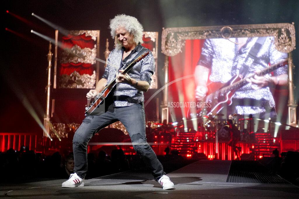 Queen and Adam Lambert in Concert - Chicago