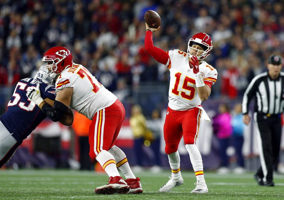 Chiefs Patriots Football