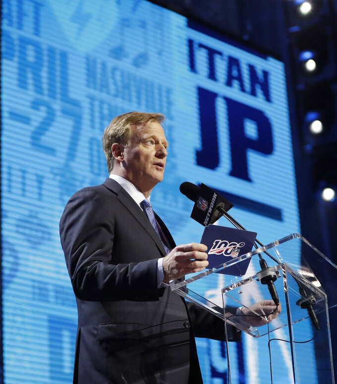 NFL Commissioner Roger Goodell announces that the Tennessee Titans selected Mississippi State's Jeffery Simmons during the first round at the NFL football draft, Thursday, April 25, 2019, in Nashville, Tenn. (AP Photo/Mark Humphrey)