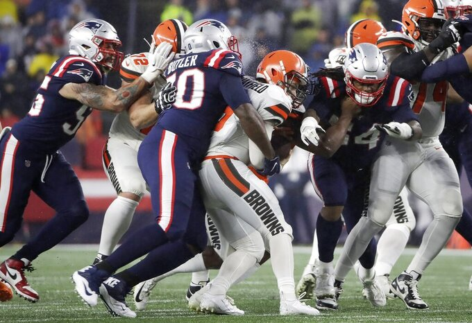 Browns still sliding after sloppy, penalty-filled loss to NE